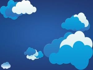 Nubes blancas y azules