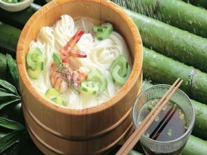 Fideos de arroz con camarones