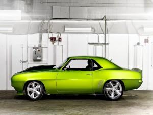 Camaro verde tuneado