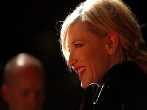 Cate Blanchett sonriendo