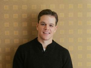 Un joven Matt Damon sonriendo
