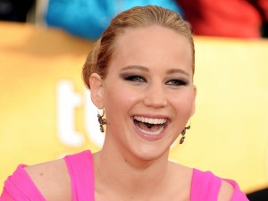 Jennifer Lawrence riendo