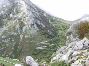 Carretera en la montaña (Picos de Europa, Asturias)