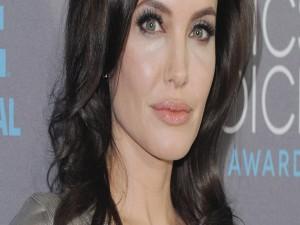 La guapa actriz Angelina Jolie