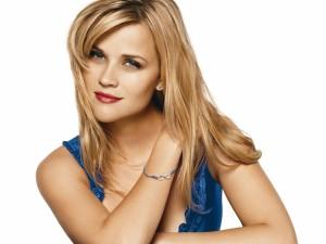 La actriz Reese Witherspoon con una bonita pulsera