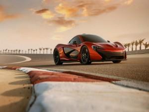 McLaren P1 en un circuito