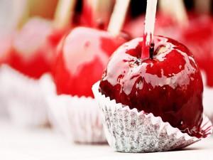 Manzanas bañadas en caramelo