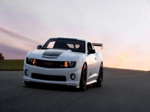 Chevrolet Camaro SSX en una carretera