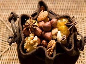 Bolsa con frutos secos y especias