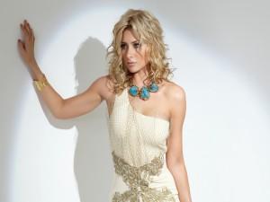 La actriz y cantante Alyson Michalk