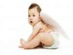 Bebé con alas de ángel