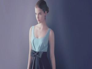 Una guapa y elegante modelo