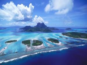 Hermosas islas en un mar azul