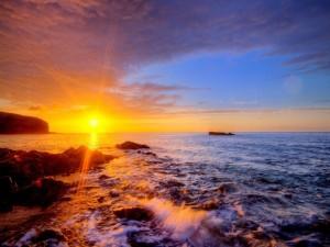 Postal: Rayos de sol sobre el mar