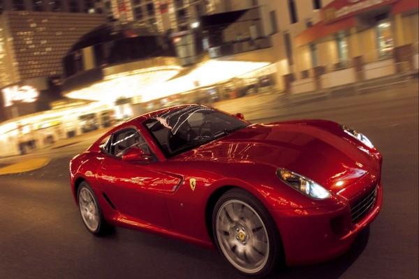 Conduciendo un Ferrari