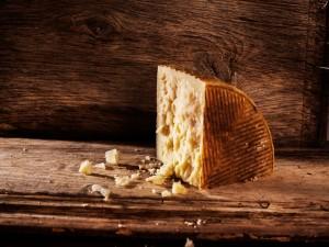 Cuña de queso manchego