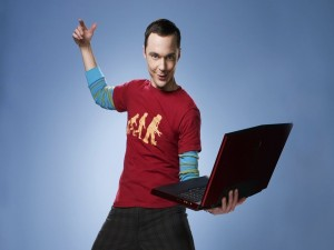 Sheldon con un portátil (The Big Bang Theory)