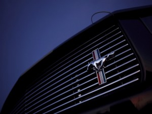 Frontal de un Ford Mustang