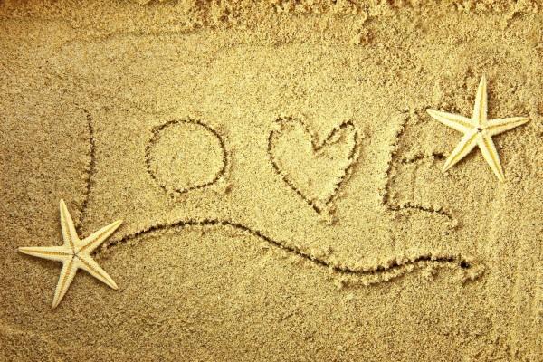 Amor Escrito En Arena: Love Escrito En La Arena Junto A Dos Estrellas De Mar (61720
