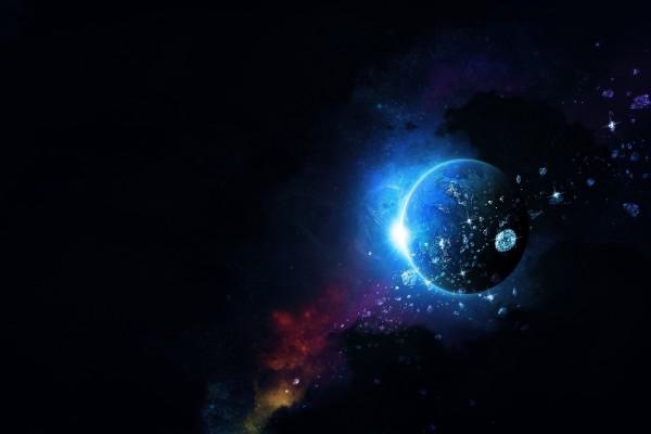 Meteros brillantes junto a un planeta