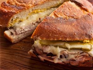 Bocadillo en un pan crujiente