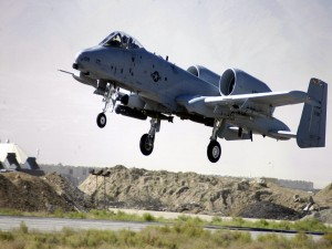 Fairchild-Republic A-10 Thunderbolt II levantando el vuelo