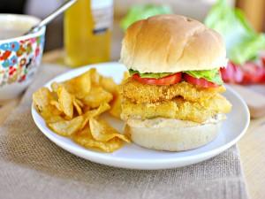Postal: Una hamburguesa con pollo crujiente
