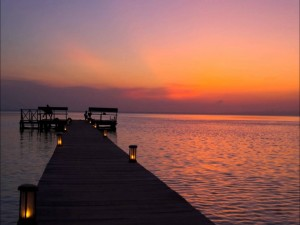 Hermoso amanecer visto desde el embarcadero