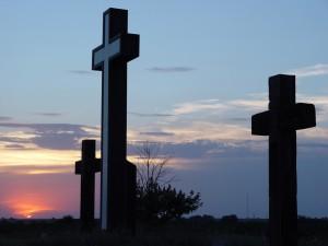 Cruces vistas al amanecer
