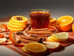 Té aromatizado con naranja, canela y anís estrellado