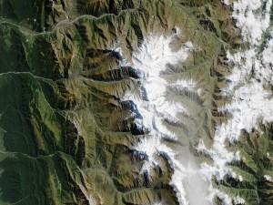 Glaciar de Kolka visto desde el espacio
