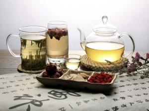 Vasos con té verde
