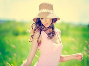 Chica disfrutando del verano