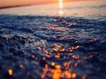 Destellos en la superficie del mar