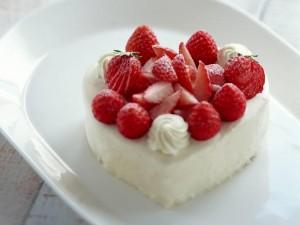 Fresas sobre una tarta