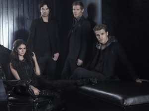 "Los chicos de ""The Vampire Diaries"" vestidos de negro"