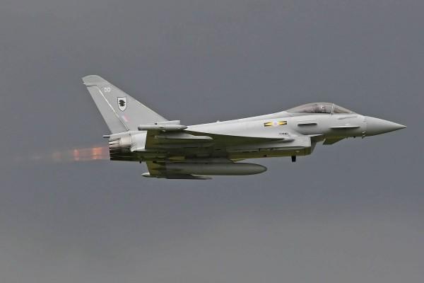 Eurofighter Typhoon en el aire