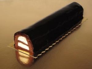 Un rico pastel de chocolate