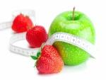 Manzana verde y fresas