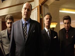 Tony Soprano con tres de sus hombres (Los Soprano)
