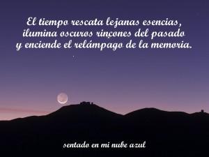 Bonita frase escrita sobre la luna y las montañas