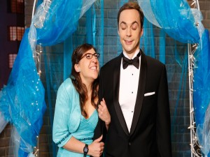 Sheldon y Amy en una fiesta (The Big Bang Theory)