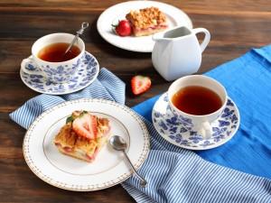 Hora de tomar el té y un rico pastel