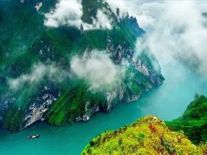 Niebla sobre un río