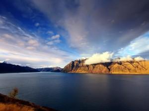 Increíble imagen del lago Hawea (Nueva Zelanda)