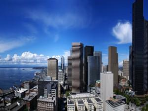 Puerto y rascacielos de la ciudad de Seattle