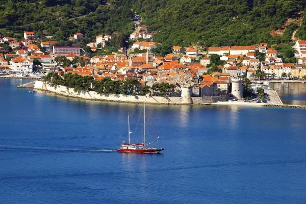 Curzola, isla del mar Adriático (condado de Dubrovnik-Neretva, Croacia)