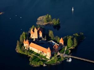 Vista aérea del castillo de Trakai (Lituania)