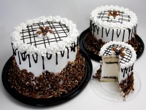 Tres tartas heladas de distinto tamaño