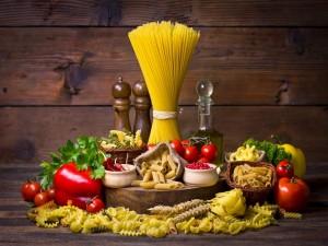 Bodegón con pastas y verduras
